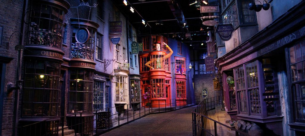 diagonalley_homepage_hero-garri-potter-aleya-diagon