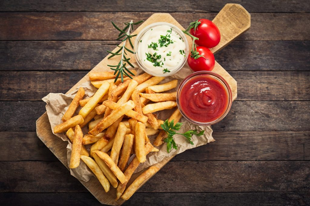 French_fries_Fast_food_Ketchup_Cutting_board_542177_1280x853