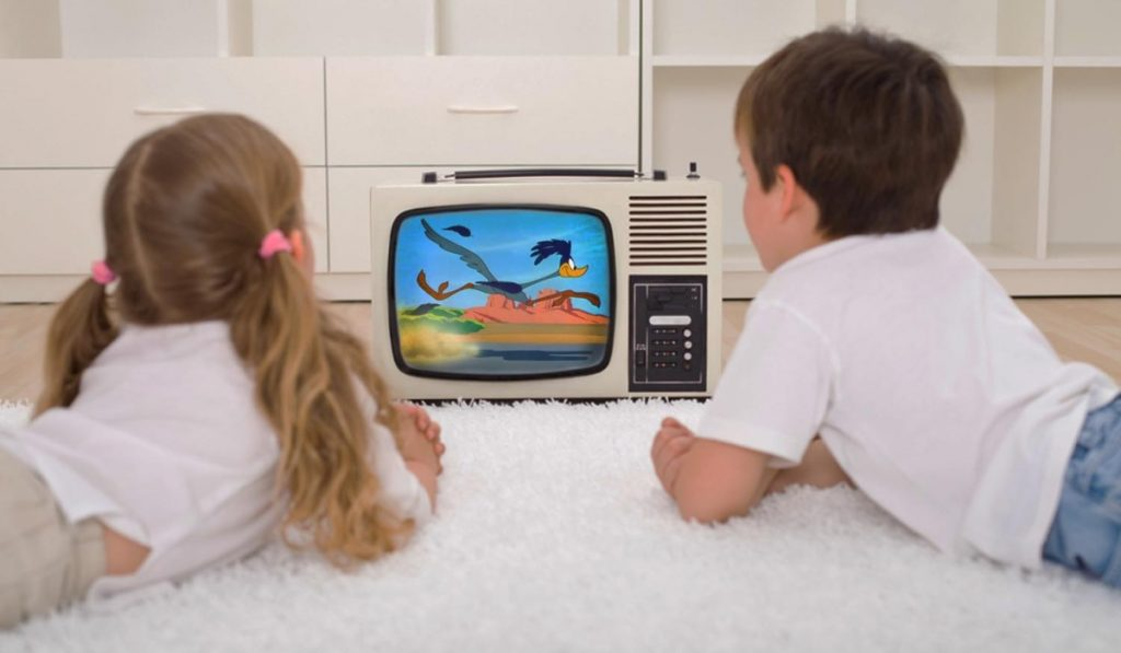 kids-watching-tv-cartoon